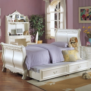 Item # 0907FB Peal White Full Sleigh Bed - Finish: Pearl White Gold Brush Accent<br><br>Available in Twin Size<br><br>Trundle Sold Separately<br><br>Box Spring Required<br><br>Dimensions: 93
