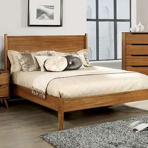 0139T Modern Twin Bed in Oak - Finish: Oak<br><br>Slat Kit Included<br><br>Available in White, Black or Gray<br><br>Dimensions: 81 1/2