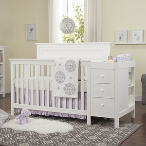 009CRB Crib & Changer Combo in White - Finish: White<br><br>Made in China<br><br>Assembly Required<br><br>Dimensions: 72.68