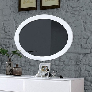 076M Oval Mirror - Finish: White<br><br>Available in Black Finish<br><br>Dimensions: 40