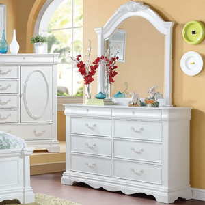 082M Antique Style Mirror - Finish: White<br><br>Dresser Sold Separately<br><br>Dimensions: 41