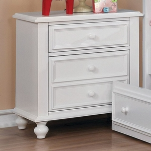 087NS 3 Drawer White Nightstand - Finish: White<br><br>Available in Dark Walnut<br><br>Dimensions: 24