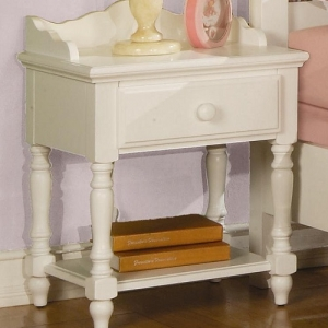 040NS Nightstand - Cottage home inspired design <br><br>Dovetail drawers and center glides creates a sturdy drawer unit<br><br>Case pieces have wood knobs finished in eggshell<br><br>