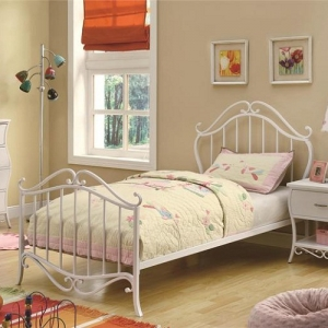 Item # 1017T Twin Youth Bed in White Metal - <b>*Available in Full size*</b>Ornamented with an elegant white metal grate and scroll headboard and footboard<br><br>