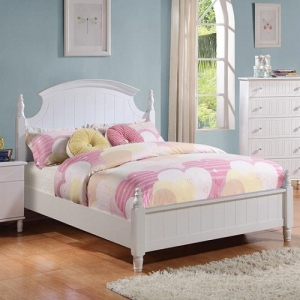 072FB Cottage Style Full Bed with Crown Molding Headboard - <B>*Available in Twin size*</b><br><br>Cottage style bed offers subtle vertical grooves and turned posts.<br><br>Beadboard paneling fronts <br><br>