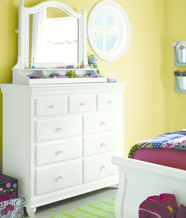 0422 Classic Summer White Dressing Chest