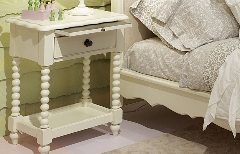 SHELL BOUTIQUE NIGHT STAND