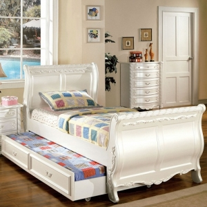 Item # 077FB Full Sleigh Bed - *Available in Twin Size*<br><br>Fairy Style Full Sleigh Bed <br><br>Hand-Brushed Gold Accents<br><br>Pearl White Finish<br><br>