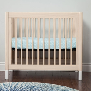 Item # 001MIN - Made in Taiwan<BR> DIMENSIONS<BR> Assembled Dimensions: 39.75in x 26in x 35in<BR> Assembled Weight: 37 lbs<BR> Fits a US mini crib mattress (37 x 23.875in) up to 5in thick<BR>